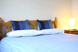 double bedroom, bed and breakfast Bristol. Whitehouse Guest Rooms, Bristol